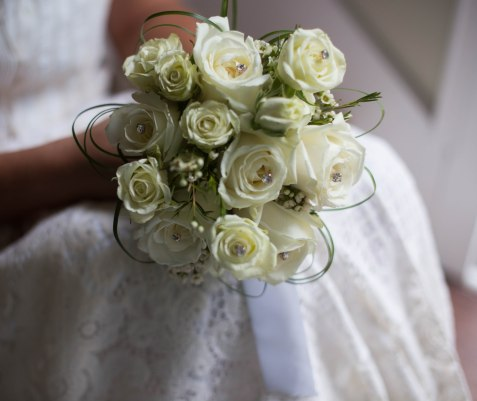white and lace wedding flowers waterford wisconsin